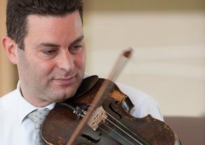 David Peters playing the violin